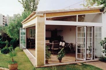 Verande milano verande design milano for Piccoli piani casa con portici